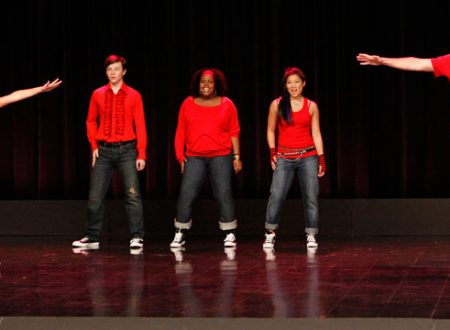 "Glee: Lea Michele si commuove cantando ""Don't Stop Believing""! [VIDEO]"