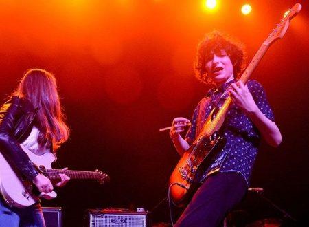 Finn Wolfhard si è esibito con la sua band con cover dei Velvet Underground