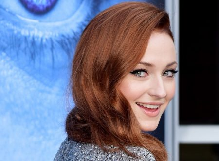 Sophie Turner spoilera il finale di Game of Thrones