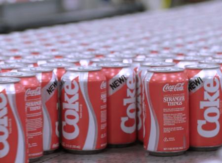 Coca-Cola: l'azienda riporterà in commercio la New Coke per la terza stagione di Stranger Things