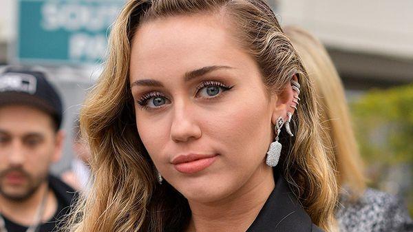 Miley Cyrus: la tonsillite, Cody Simpson e l'ex marito