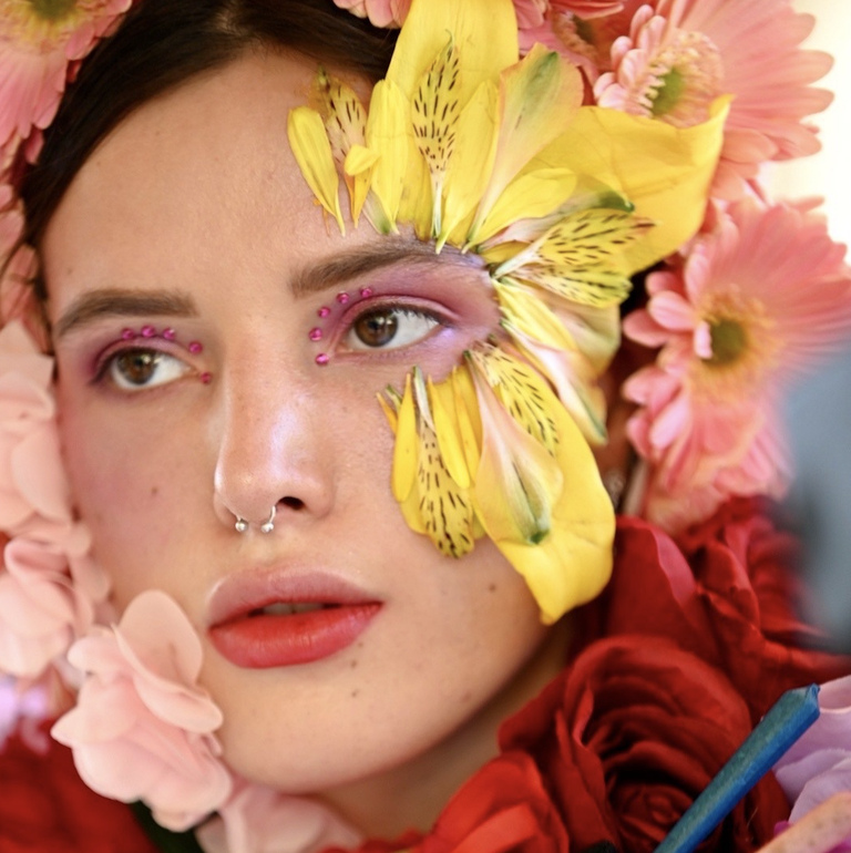 Forbidden Flowers: Bella Thorne parla della sua linea di cannabis ed altro!