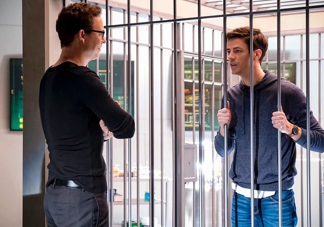 "The Flash - Recensione 6x13, ""Grodd Friended Me"""