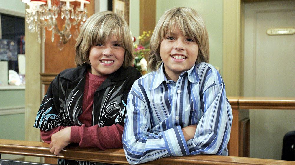 Zack e Cody sul ponte di comando: tutto sul finale della serie e sulle fidanzate!
